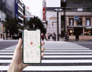 なぜ地図アプリの現在地マークはズレるのか?